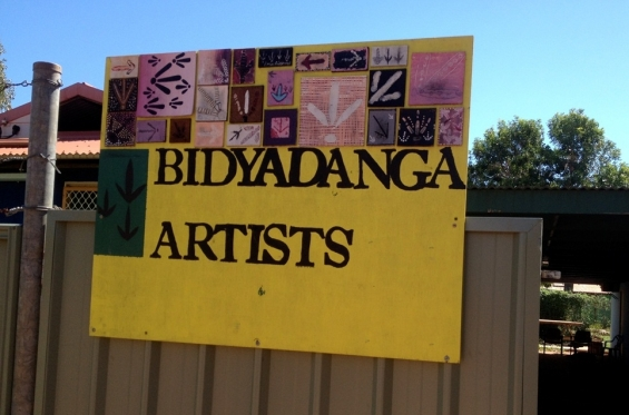 Sign to Bidyadanga Community Art Centre. © Chad Creighton & AGWA 2014