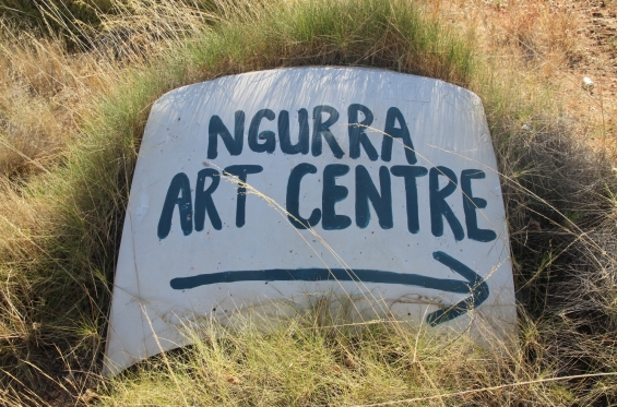 Sign to Ngurra Arts Centre © AGWA 2015