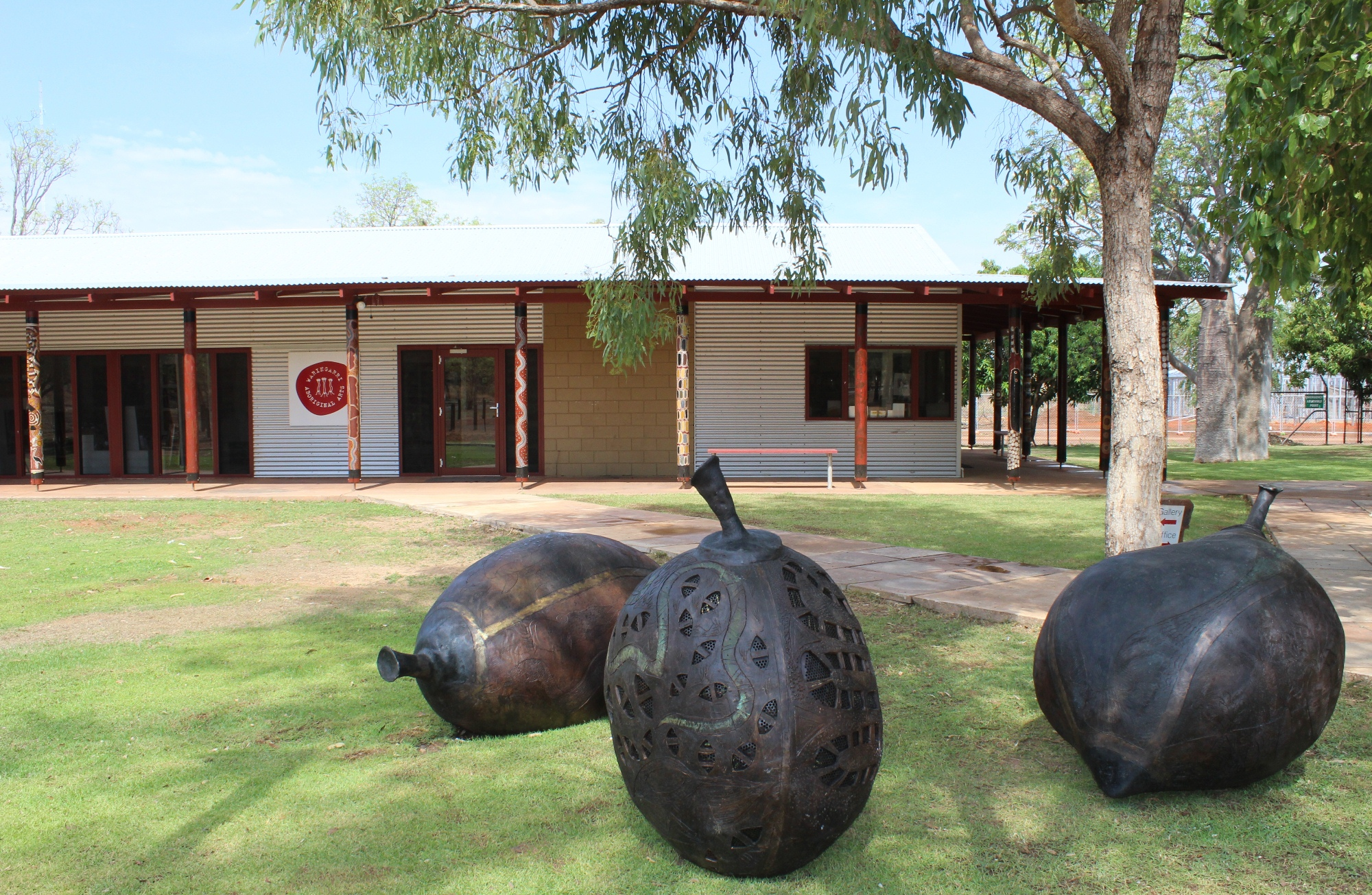 External view of Waringarri Aboriginal Arts Centre with bronze boab nut sculptures. © Waringarri Aboriginal Arts