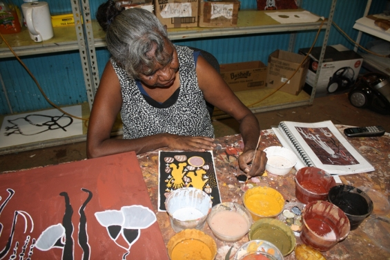 Artist Betty Bundamurra in the Kira Kiro Art Centre studio in Kalumburu. © Andrew Barker & Kira Kiro Art Centre 2014