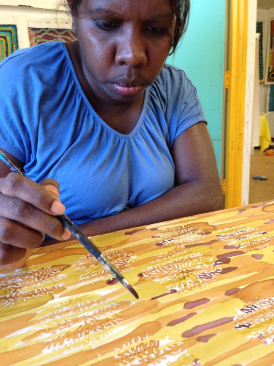 Artist Natalie Hunter silk painting at Bidyadanga Community Art Centre. © Jacky Cheng of KTI 2014