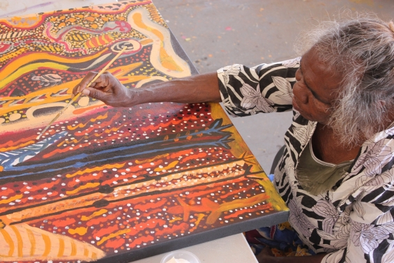 Janet Dreamer painting in the Yarliyil Art Centre Studio © Edwina Circuitt & Yarliyil Art Centre 2015