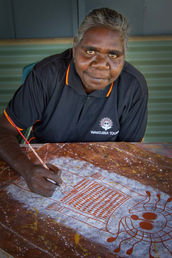 Robyn Mungulu © Mowanjum Aboriginal Art & Culture Centre 2015