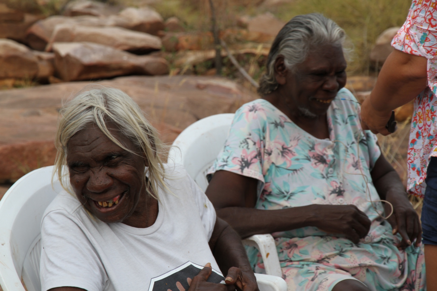 Mary Puntji Clement and Mary Teresa Taylor at Malinjarr Gorge. © AGWA 2015