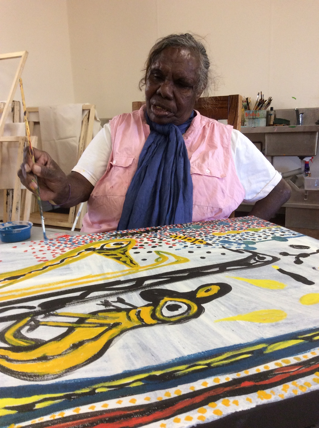 Artist Janet Dreamer working in the Yarliyil Art Centre studio © AGWA 2015