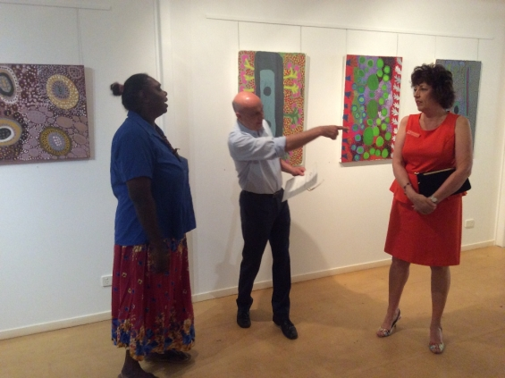 Kirsty Burgu receiving her course completion certificate from Stefano Carboni, AGWA Director and Lynne Hargreaves, Director of Exhibitions during the 2016 Visual Arts Leadership Program workshop. © Art Gallery of WA 2016