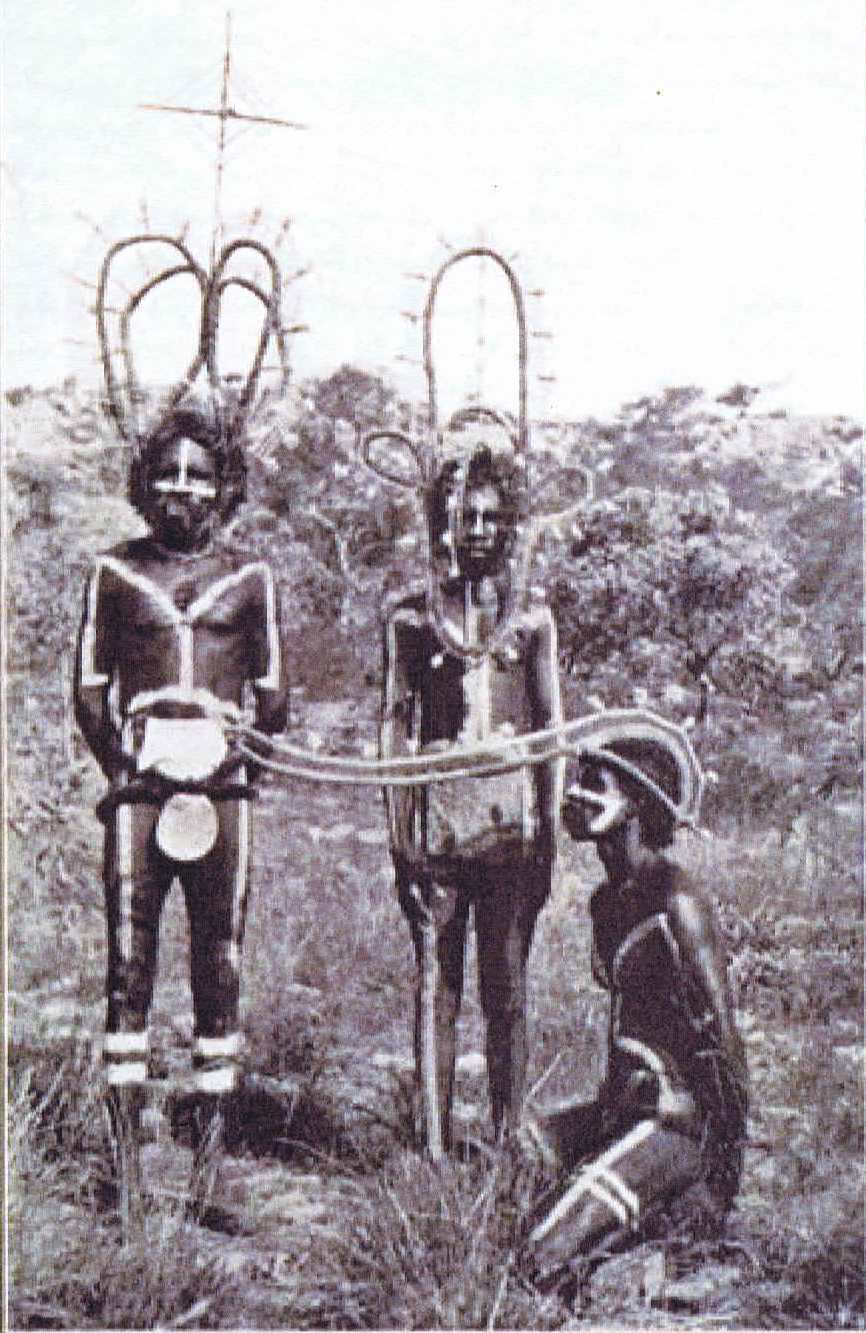 Early photograph of Nangan (right) wearing Mayarta headdress
