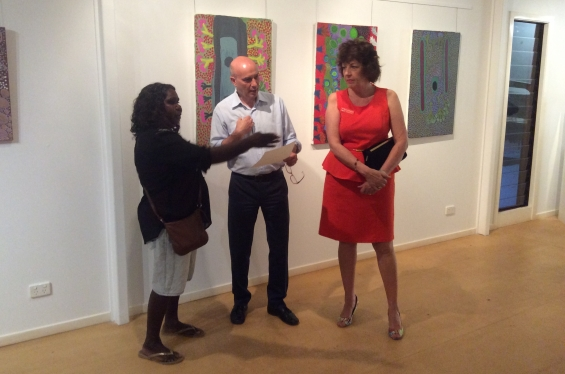 DRS 2016 Visual Arts Leadership Program participant Lillie Spinks receiving her course completion certificate and chatting with Stefano Carboni, AGWA Director and Lynne Hargreaves, Director of Exhibitions. © AGWA