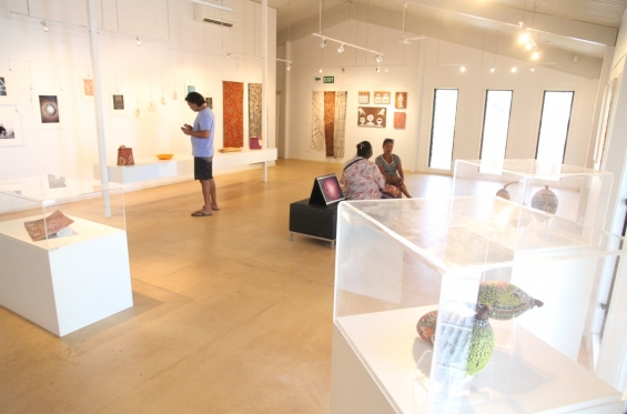 Install shot of the DRS 2016 Visual Arts Leadership Program inaugural exhibition in Kununurra. © AGWA
